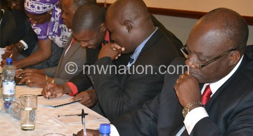 Tisintha Alliance leaders signing the MoUdefected