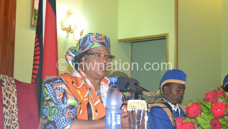 Banda addressing chiefs
