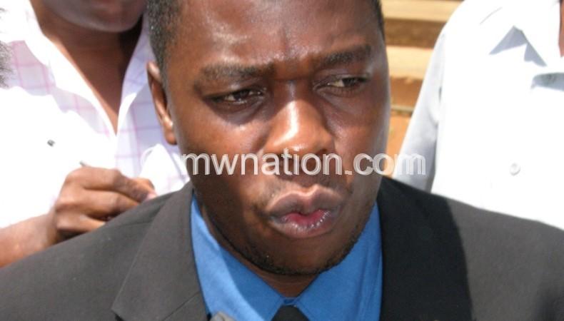 Parliament should define public servants