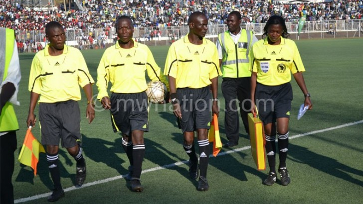 Sulom introduces referees award