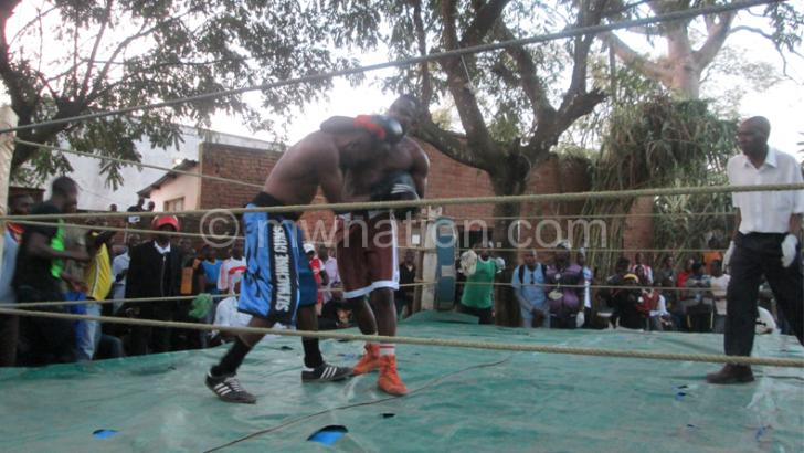 Musoliza defeats Tanzania boxer Mwakalinga