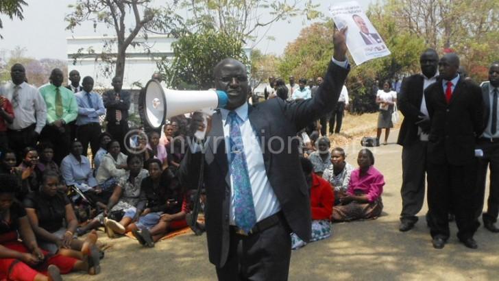 Civil servants want 50% pay raise