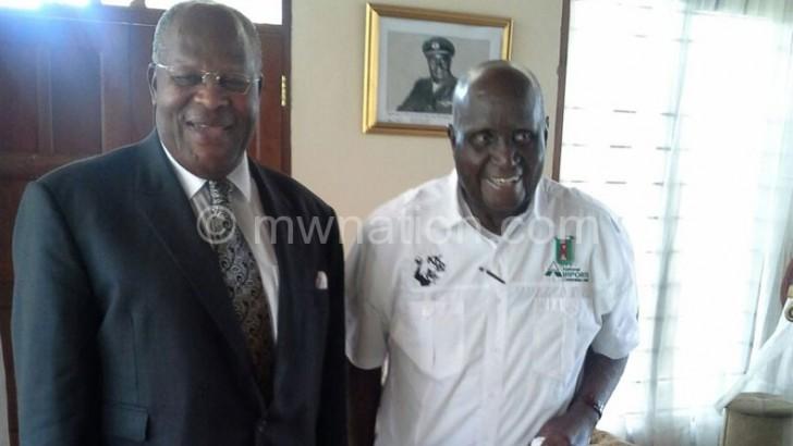 Muluzi visits Zambia's KK