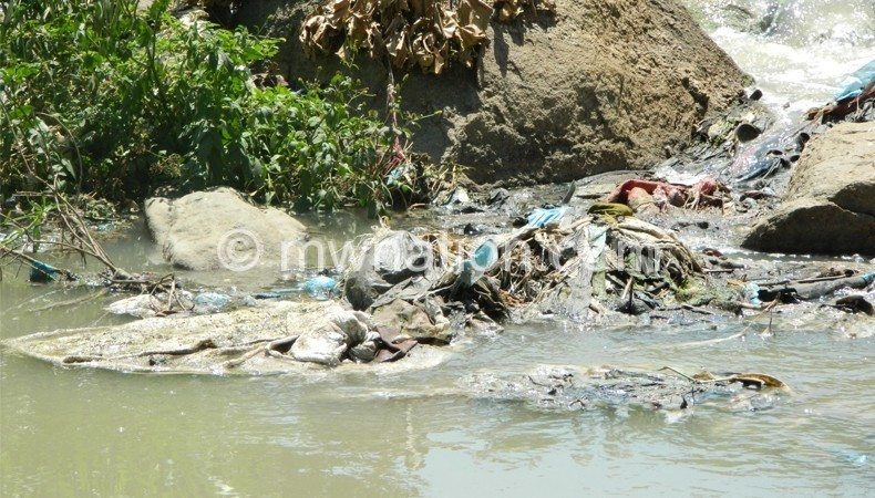 The filth in Mudi River which is a threat to lives