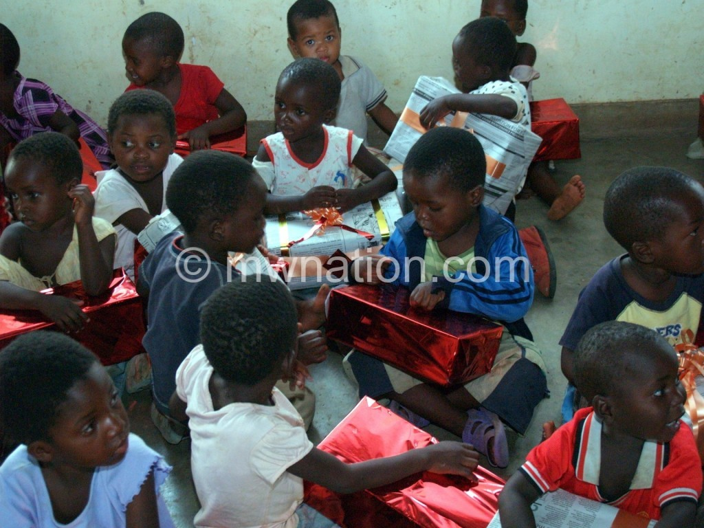 Kids can't wait to open Blantyre Rotaracts  presents