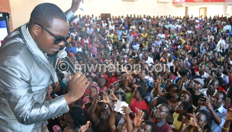 Muliya performs to a packed Robin's Park on Sunday
