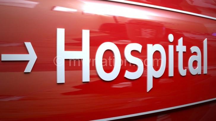 Fomboni 'keeper rushed to hospital