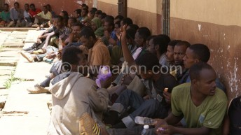 Over 400 illegal migrants detained