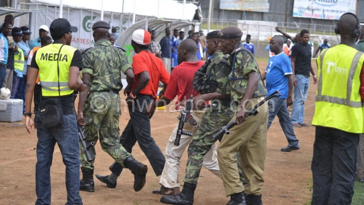 Authorities fail to reinforce hooligans' suspensions