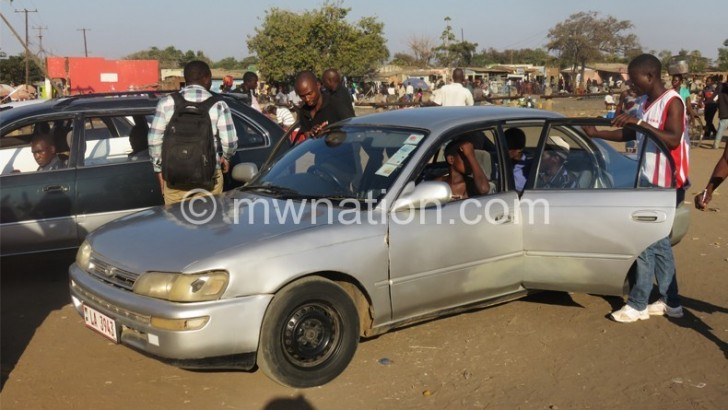 Balaka taxi operators defy order to relocate