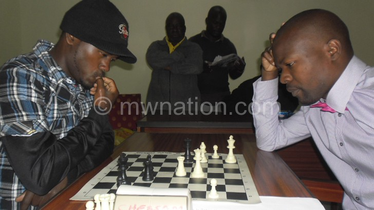 Chipanga (L) and Mfune are set for the battle