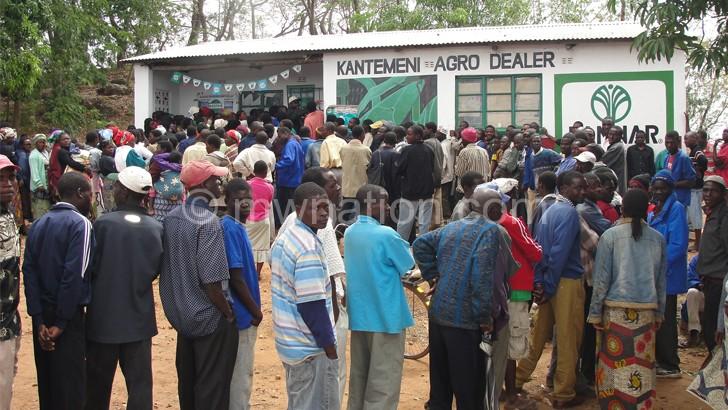 Govt abandons the poor in fisp