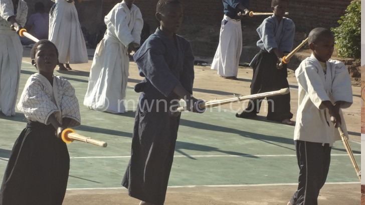 Kendo athletes have opportunity to carry flag in SA