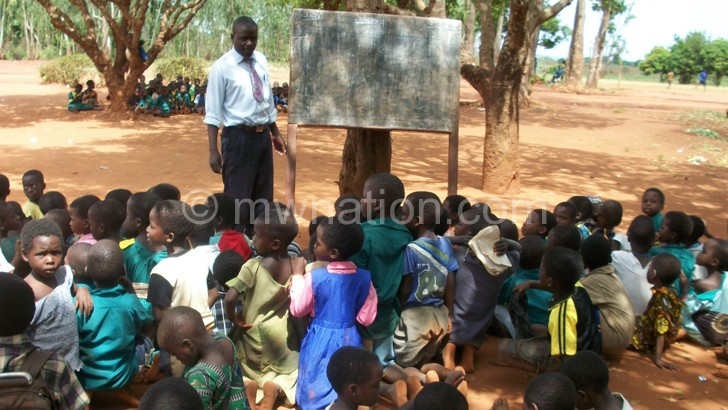 Class under a tree: A sign of Malawi's failure in education
