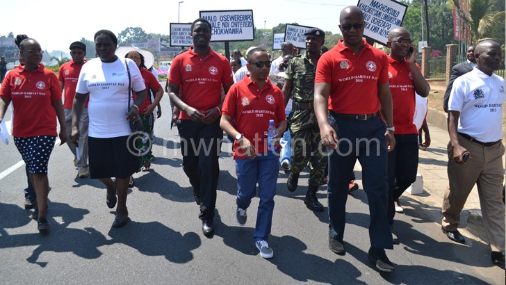 Muluzi (R front row) and Chalamanda(3R) during the big walk