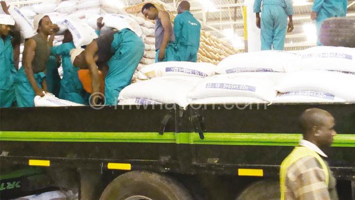 Fisp fertiliser being loaded onto a truck