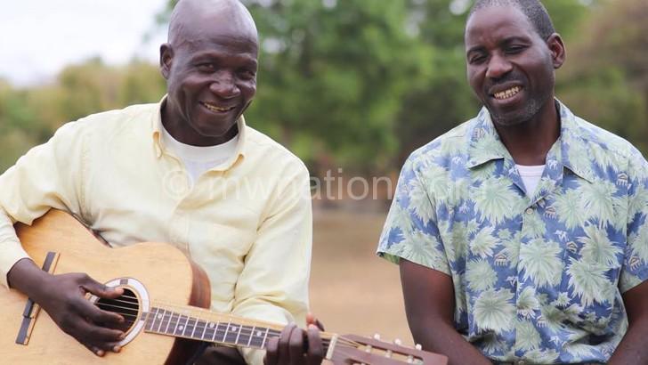 Lucky Stars' Mtembenuza with band member David