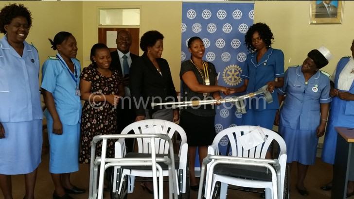 Rotary Club of Blantyre donates to QECH