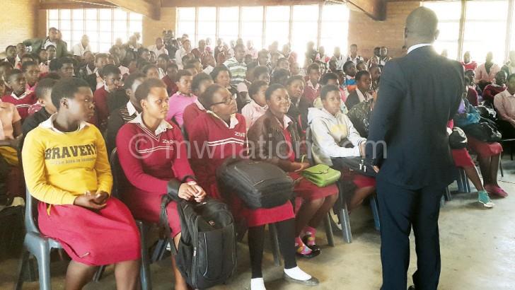 Suzi-Banda inspiring students