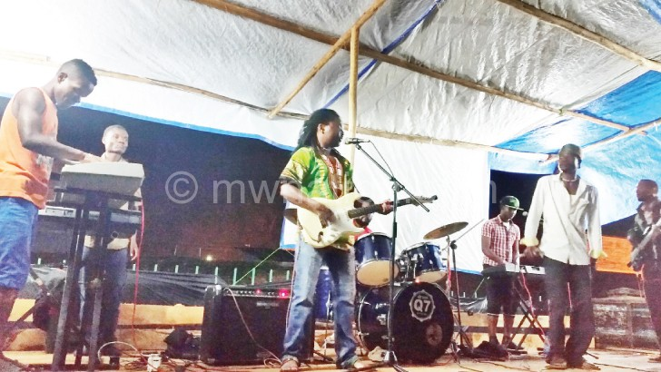 The Wailing Brothers captured in concert