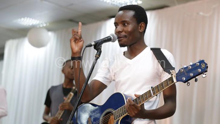 Namadingo broke to fame with Msati Mseke