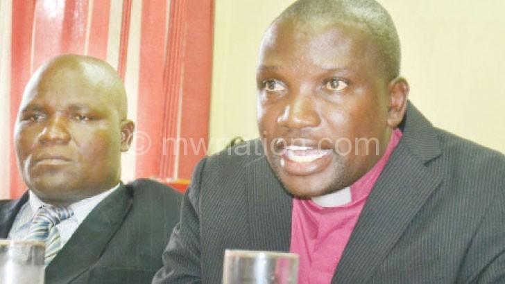 Chabuka (L) and Mikwamba during a press briefing