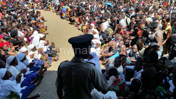 Chinga's funeral attracted a multitude at Robin's Park in Blantyre