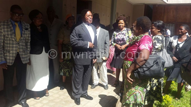Muluzi interacting with sympathisers outside the High Court in Blantyre