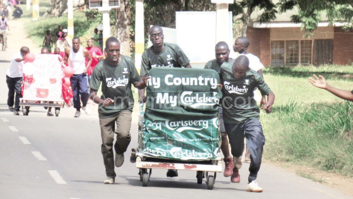 Participants of the Mzuzu Rotary Club  bed race