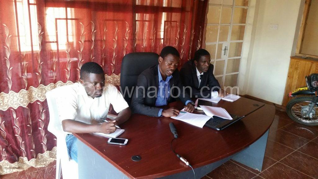 Kajoloweka (C) urged Unima Council to learn from Mzuni