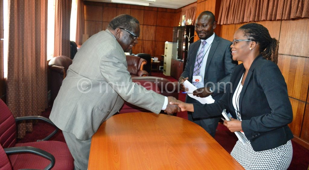 Gondwe welcomes Munthali and Khunga to his office