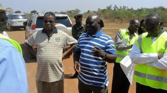 Minister warns slack contractors