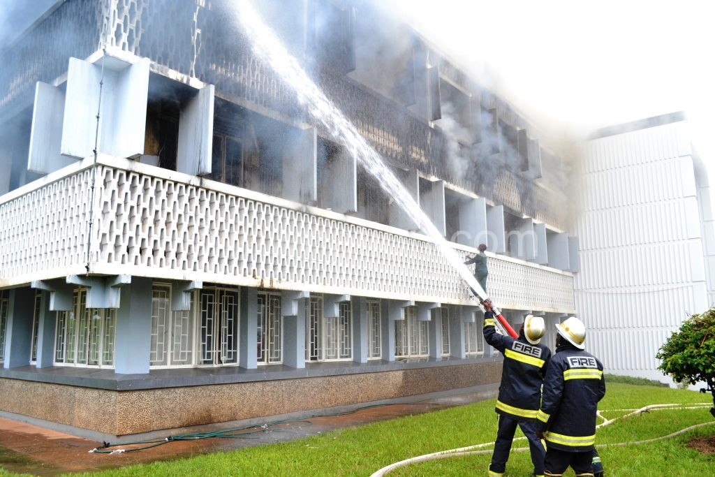 Fire fighters extinguishing the fire | The Nation Online