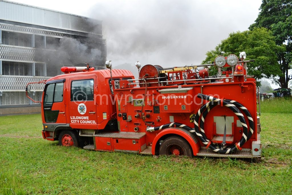 Lilongwe City Council fire fighting engine stuck in the mud | The Nation Online