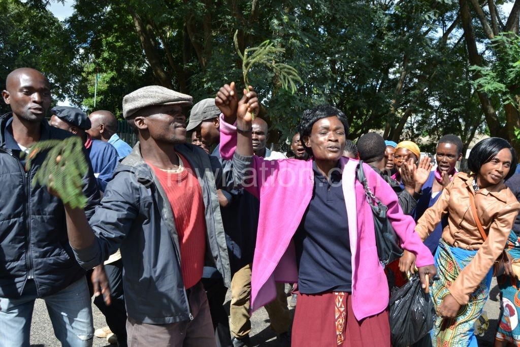 Admarc Staff strike in Limbe 15 | The Nation Online