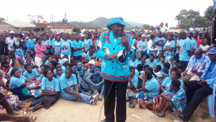 Minister urges farmers not to sell maize