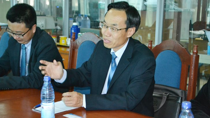 China commits to support media