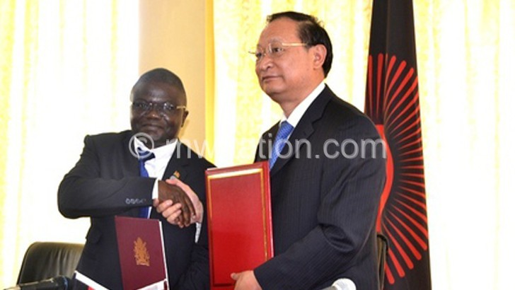Malawi, China sign pact on traditional medicine