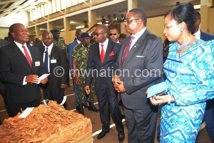 Peter Mutharika opening Tobacco Auction in LL 1 | The Nation Online