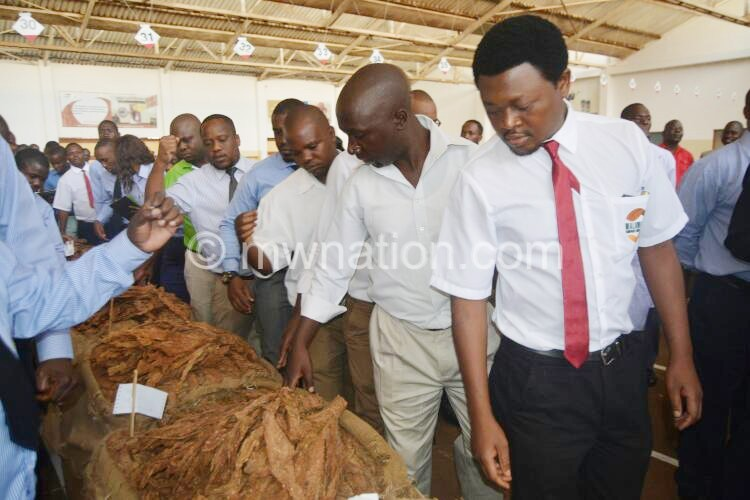 Peter Mutharika opening Tobacco Auction in LL 6 | The Nation Online