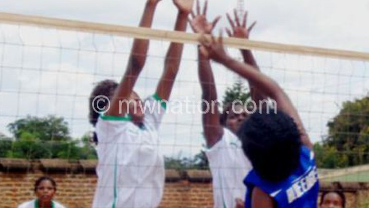 KB volleyball team survives Eagles' scare