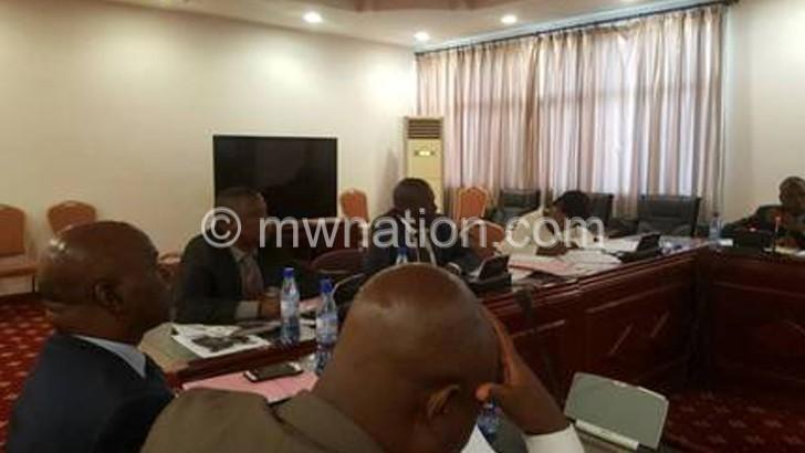 8 arrested for smuggling ivory