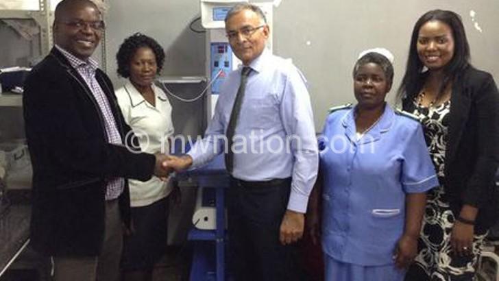 Dossani Trust donates resuscitation machine to health centre