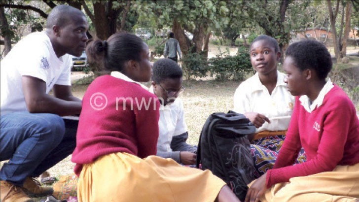 '39% secondary school  teachers unqualified'