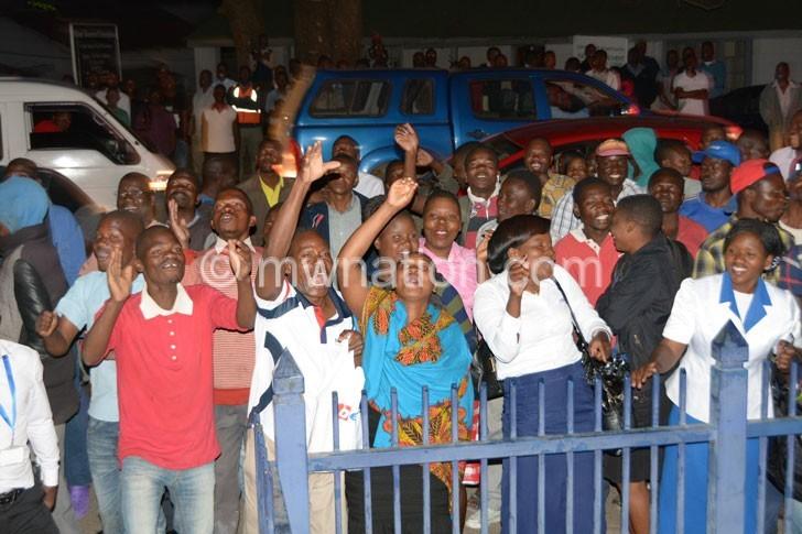 Crowd chaponda | The Nation Online