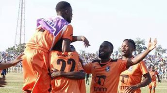 Nomads extend lead