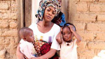 Kwini Bee flirts with Manganje