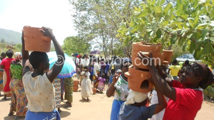 Egenco distributes cook stoves in Machinga