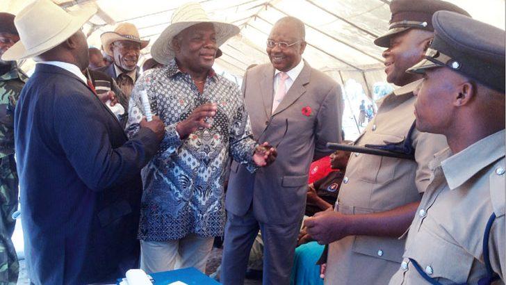 Speaker dares people to take leaders to task