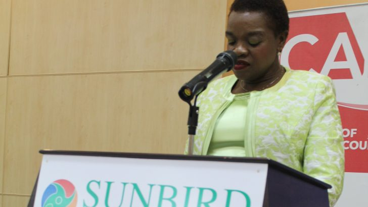 'Women should take  leading roles in leadership'